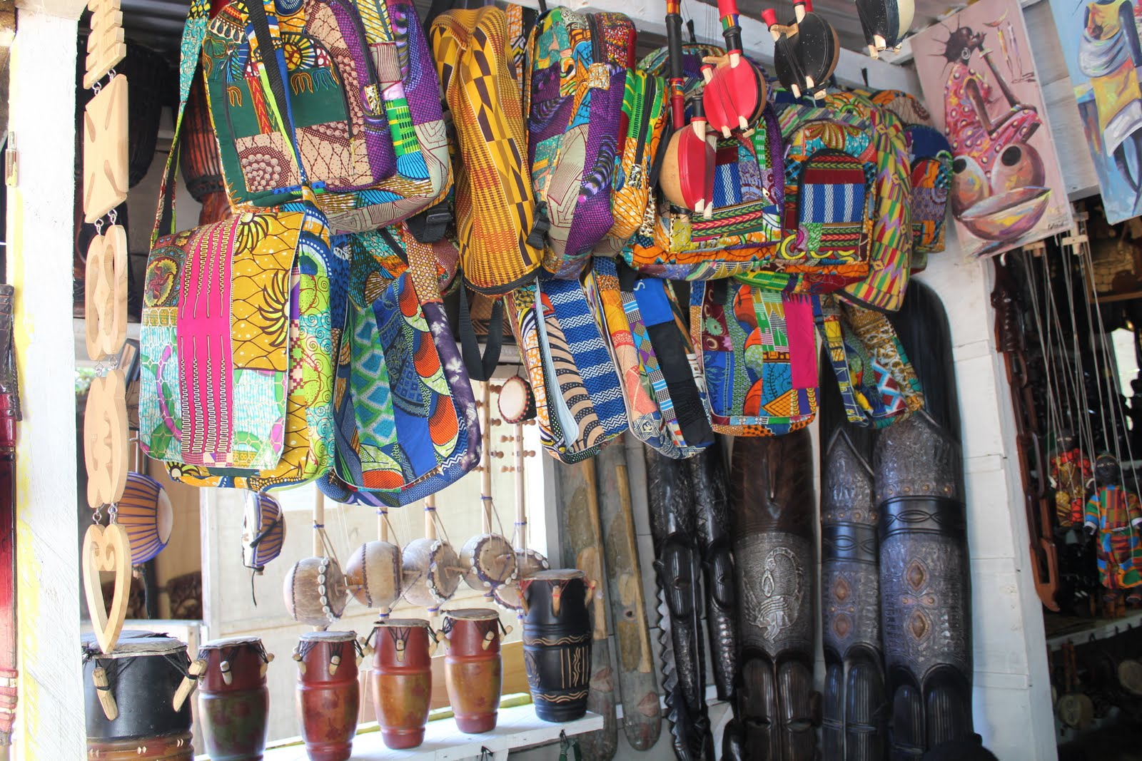 Places in Ghana: Arts Centre - Wanderlust & Life